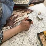 Mosaïc Concept, cours de mosaïque : copie d'ancien en marbre par une élève débutante